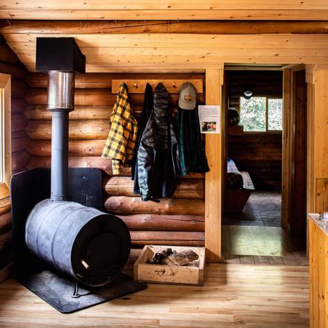 cabin_02.jpg