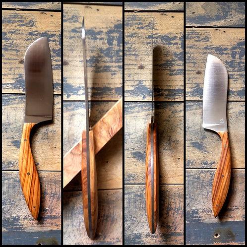 Couteau artisanal de cuisine, chef, manche en olivier