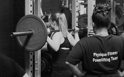 Powerlifting and weightlifting facilitiesfor men and women of all abilities. Free weights, plates, selectorized machines in large weights room.