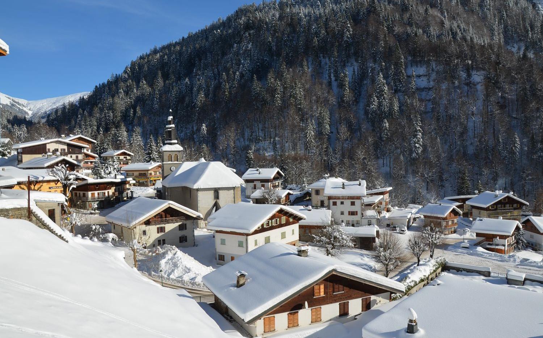 Le village Notre-Dame-de-Bellcombe