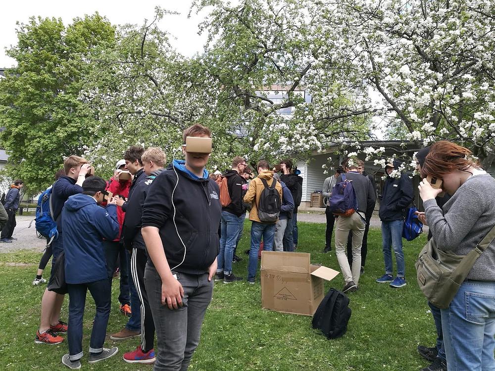 Google Expeditions testausta Kupittaan puistossa