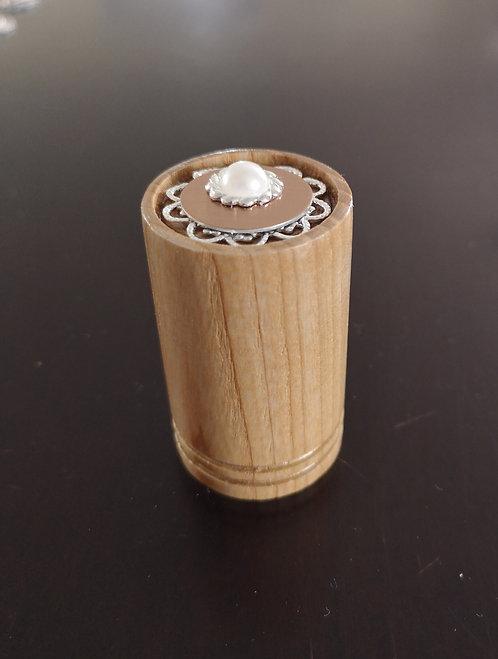 Reliquaire en bois tourné contemporain Perle a prix exclusif