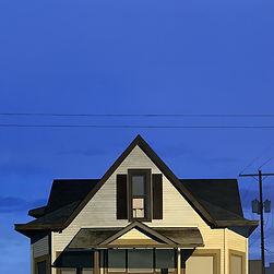 1.Beige_House_Nocturne_Burk.jpg