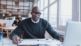 Remuneração e incentivos financeiros têm o poder de motivar os empregados e melhorar a produtividade