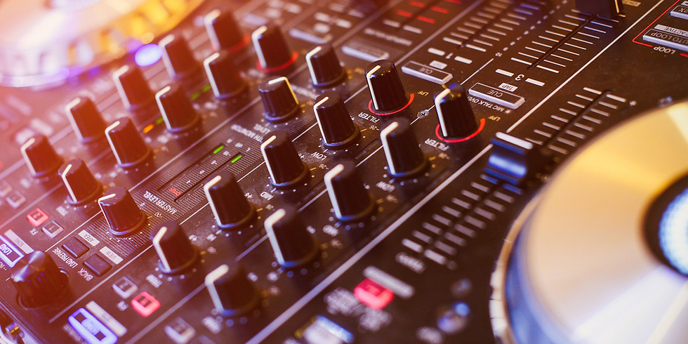 Live music with DJ Alex Lambrino