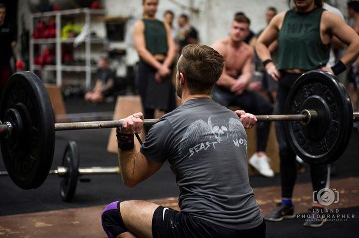 Men's T-Shirt 'The Cal' MK I (Charcoal)