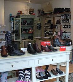 Shoes in 2s - shoe shop
