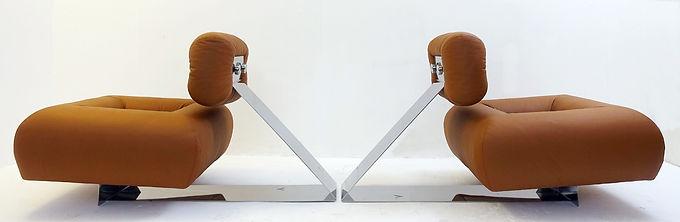 Rare Pair of Oscar Niemeyer Lounge Chairs