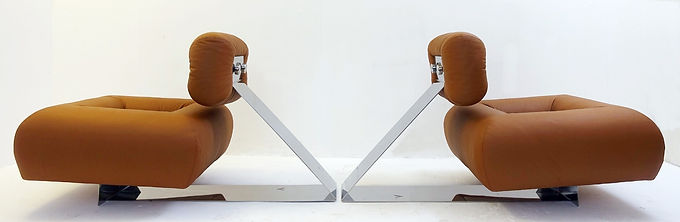 Rare Pair of Oscar Niemeyer Lounge Chairs