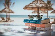 holiday-reading-books-on-beach.jpg