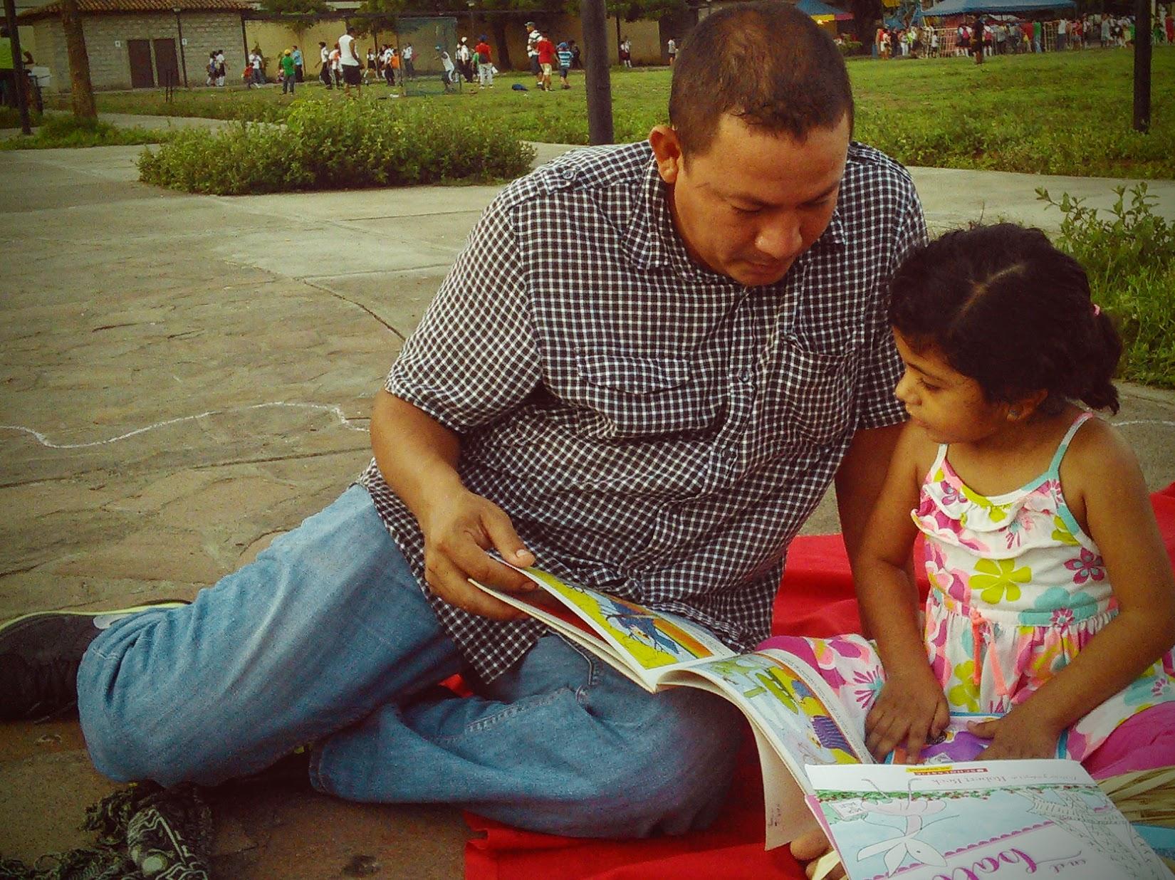 Dads Read Too! Viva León Leyendo