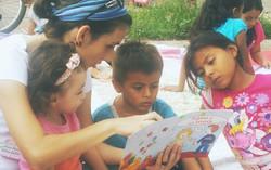 Let's Read at Viva León Leyendo