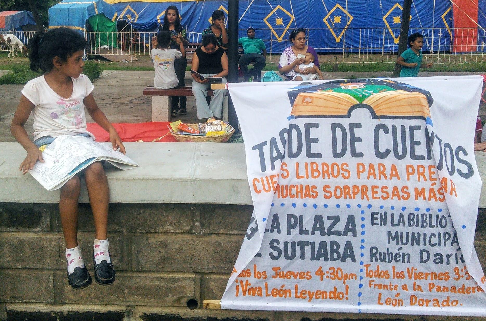 Viva León Leyendo Banner