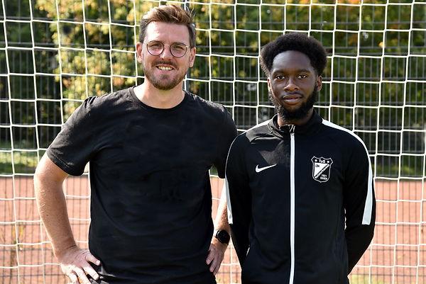 C-Jugendtrainer Christoph Schlegel und Richie Agbeve