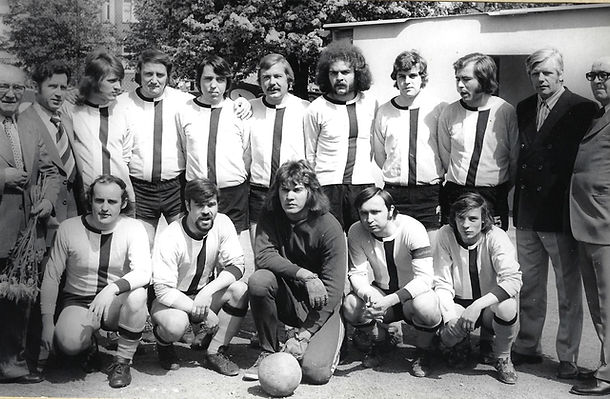 1974 TuS Meister II Bezirksklasse_2_kl.j