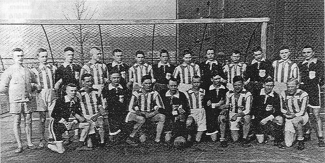 DJK TuS Holsterhausen Anfagn der 1920er Jahre - wahrscheinlich Handballer