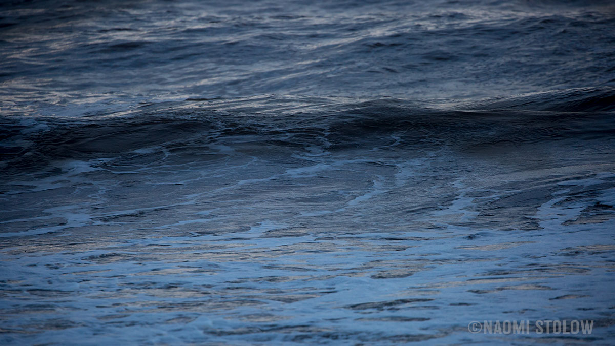 The colour of waves