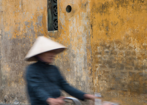 Lady in rice hat