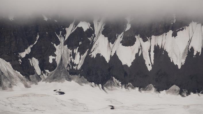 A47I5315_mountainside_web.jpg