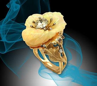 коктейльное золотое кольцо с опалом