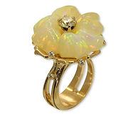 Золотое кольцо с опалом