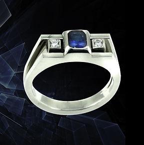 золотое кольцо из белого золота с сапфиром