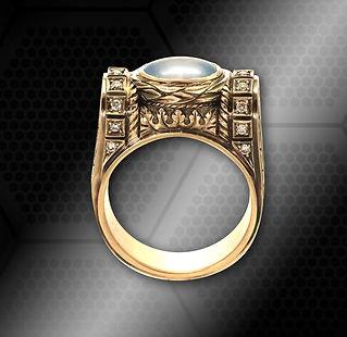 золотой перстень в винтажном стиле с натуральным сапвиром