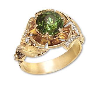 золотое кольцо с зеленым турмалином