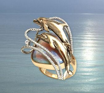 необычное золотое кольцо с опалом