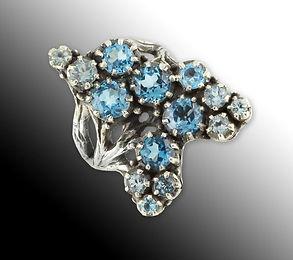 Крупное серебряное кольцо с топазами