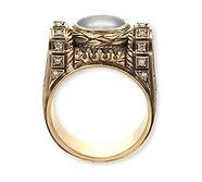 золотой перстень в винтажном стиле