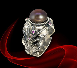 кольцо с черным жемчугом из серебра