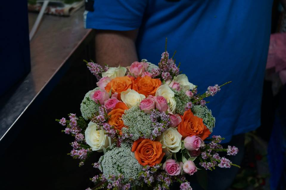 Mixed flower bridal bouquet.jpg