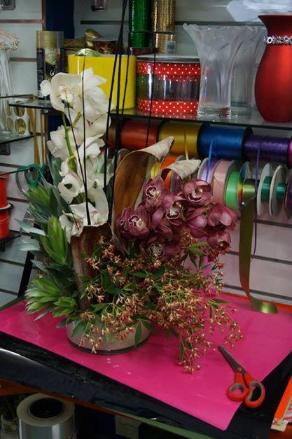 cymbidium orchid arrangemenrt.jpg