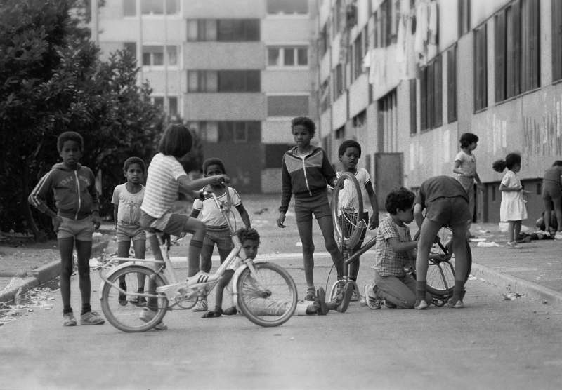 Banlieue, Grenoble, France 1978