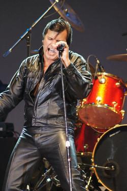 Darrin Hagel singing Elvis show