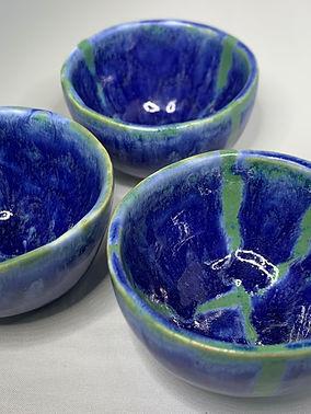 3 blue bowls 2.jpg