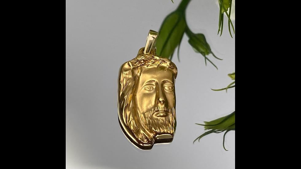 Medalik złoty z Jezusem