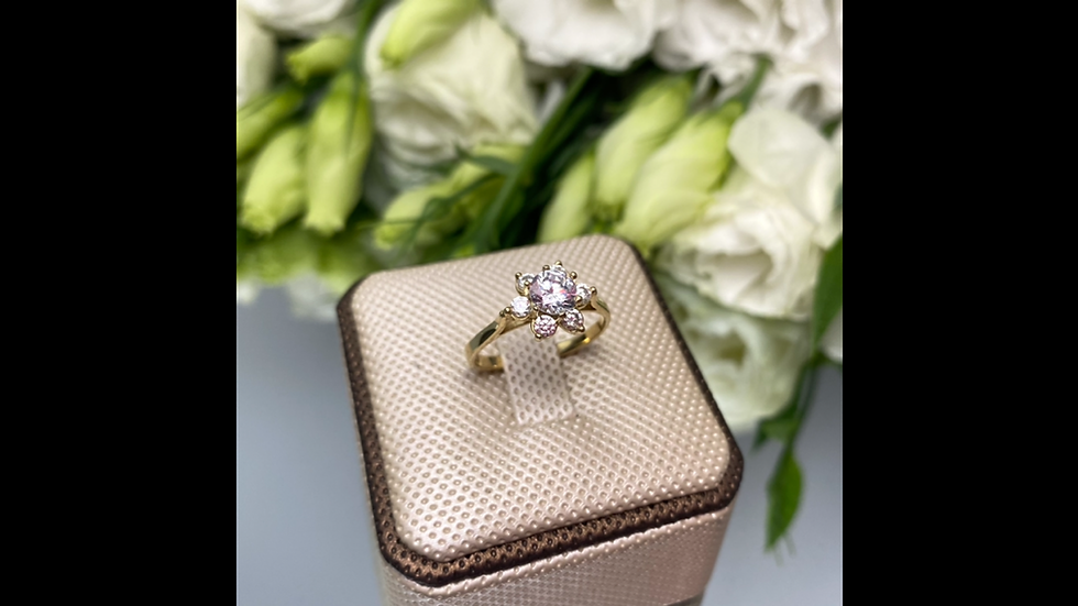Pierścionek złoty kwiatek z cyrkoniani