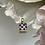 Thumbnail: Wisiorek złoty kwadrat granatowe cyrkonie