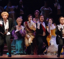 Fledermaus in Seattle... What time is it???