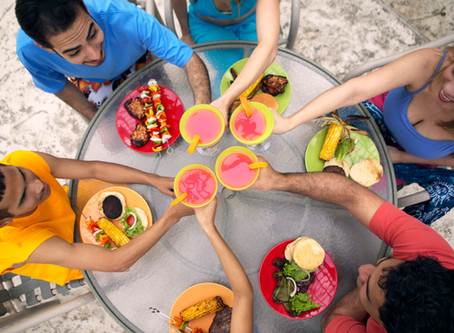 Eating Out? 10 Quick Tips for Making a Healthy Choice