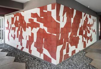 Mural em Ladrilhos Hidráulicos, 2015 – 2020 Edifício Moou. São Paulo – SP  Ciment Tile Mural, 2015 – 2020 Edifício Moou. São Paulo, Brazil.  photo: Rafaela Netto