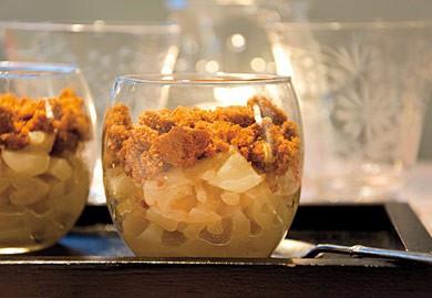 Verrines de poires sautées au gingembre et spéculoos