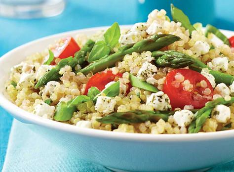 Salade de quinoa, asperge et feta