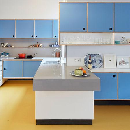 an-open-ikea-maximera-white-kitchen-pant