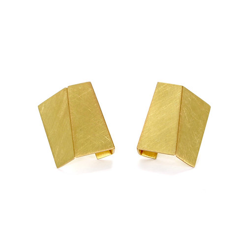 18ct GOLD FOLD STUDS