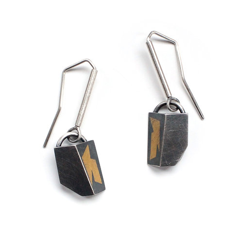 LIGHTNING DROP FOLD EARRINGS