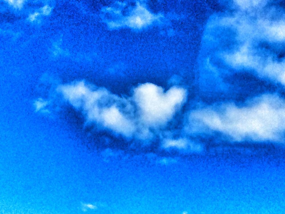 Srdce na nebi je znamení, že bude lépe na světě