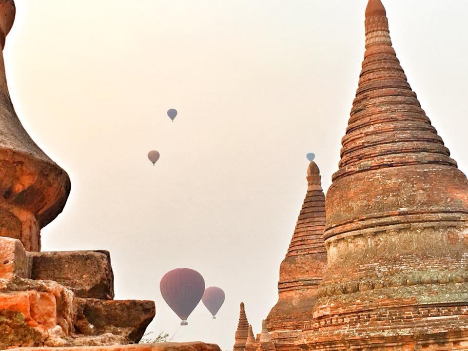 Bagan - pagody, horkovzdušné balóny a krásy přírody